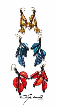 Nuevas creacions para los bazares de Navvidad  -  New creations for 2014 Christmas Fairs by María Eva Ramos - Niná Studio, via Flickr  #Design Venezuela #polymerclay, #handmade, #Diseño Venezolano, #hecho a mano, #arcilla polimérica, #Zarcillos, #Earrings, #Red, #Rojo, #Azul, #Blue, #Gold, #Dorado