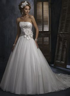 Strapless Court Train Organza Ivory Wedding Dress