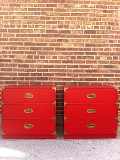 red...Campaign Dressers