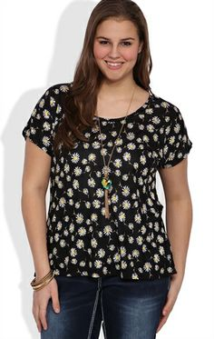 Plus Size Short Sleeve Dolman Top with Daisy Print and Twist Back