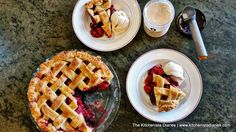 The Kitchenista Diaries: Balsamic Strawberry & Blackberry Pie