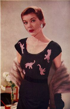 1950s Pink Elephants Scoop Neck Blouse with Short Sleeves -
