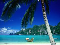 Ao Lo Dalam on the Southern Andaman Coast,Ko Phi-Phi Don, Thailand