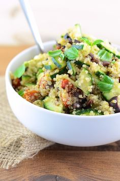 Vegan Greek Quinoa salad (oil-free)