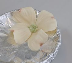 Dogwood Flower Tutorial  by SweetRevelations  http://sweetrevelations.wordpress.com/2012/02/22/dogwood-flower-tutorial/