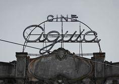 Cine Aguia signage