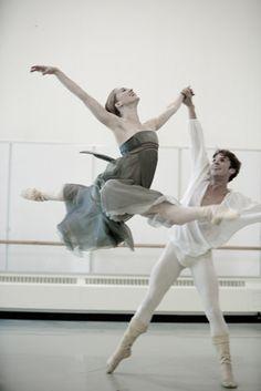 Floating dance photography, pas de deux, ballet dancers, dream, joy, carla körbes, beauti, ballet costumes, lucien postlewait