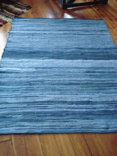 recycled blue jeans: rug Old blue jeans can look fantastic once again