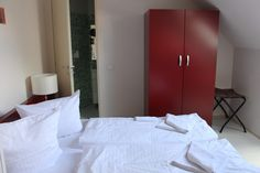 PLUS Hostel Berlin has full breakfasts, a bar and restaurant, pool and sauna and fantastic rooms!
