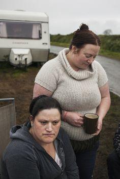"""hanni and hellen drink a cup of tea"" (irish travelers series) | birtie kaufman"