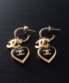 Chanel : black and gold CC heart vintage drop earrings