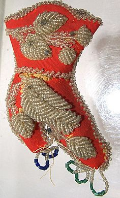 Late 1800's Early 1900's Iroquois Beaded Pin Cushion Boot Shaped