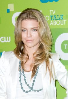 AnnaLynne McCords sexy face-framing layers