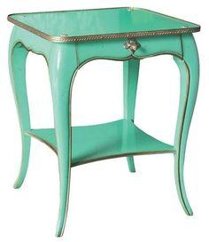 Esprit précieux pour cette table de chevet - 9 tables de chevet pour donner du style à votre lit - CôtéMaison.fr