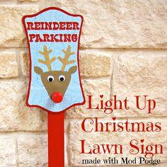 Light Up Christmas Lawn Sign made with Mod Podge | Morena's Corner