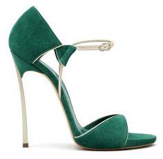 Emerald high heels #prom #stpatricksday #green