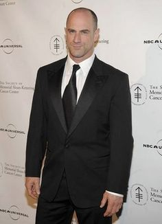 Christopher Meloni...will be on the upcoming season of True Blood...I cant wait! man-candy