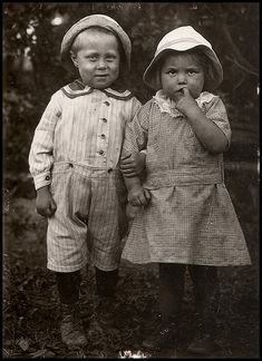 Siblings, c. 1920. 1920, vintage photographs, vintag photograph, kid
