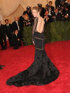 Met Gala Red Carpet 2012  Renée Zellweger in Pucci.