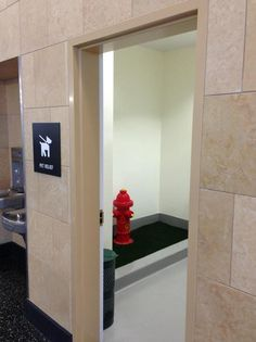 "The San Diego Airport Has a ""Pet Relief"" Room for Dogs to Pee on a Fire Hydrant - See more at: http://www.lobshots.com/2013/04/22/the-san-diego-airport-has-a-pet-relief-room-for-dogs-to-pee-on-a-fire-hydrant/#sthash.D7kAKytC.dpuf"