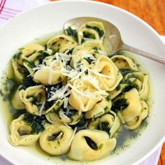 Tortellini and Spinach Soup (recipe: http://di.sn/g6d)