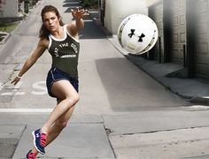 Pro soccer player Kelley O'Hara shares her Cracked-Oats Smoothie Recipe with POPSUGAR Fitness. We are honored to be her oatmeal of choice! Thank you Kelley! #underarmourwomen #kelleyohara #coachsoats