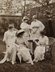 A 1912 photograph of women in Lucile tea apparel. This photo was featured alongside Lucile's Her Wardrobe column in Good Housekeeping magazine.