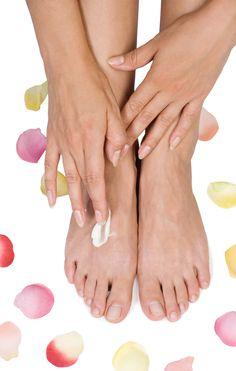 Hacer pomada para pieles agrietadas. Receta paso a paso para hacer pomada ideal para pies agrietados y pieles resecas.Como veréis hacer pomadas para los pies es muy sencillo...