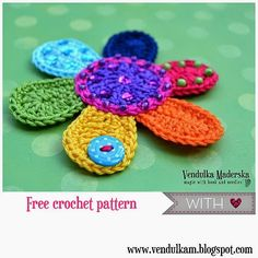 NEW! Free Flower Applique share from that ever-so-crafty Vendulka Maderska!  ☀CQ #crochet #crafts #DIY  Thanks so much for sharing! ¯\_(ツ)_/¯