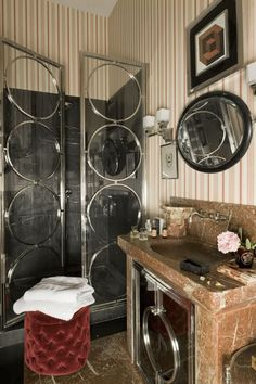 Have you ever seen shower doors this cool? So glamorous!