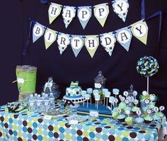 blue-green-train-party-dessert-table