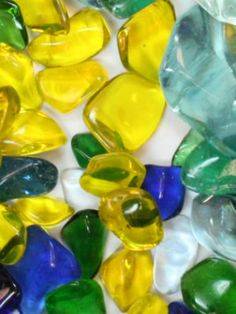 Great site about making tumbled glass with a rock tumbler.