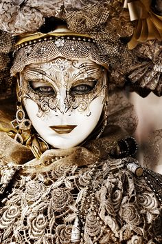 'Venetian Mask' by Sebastien Papon.  I am so very in love with this image.