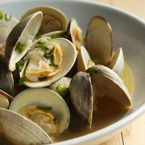 Asari Sakamushi (Steamed Clams with Soy, Butter and Garlic)