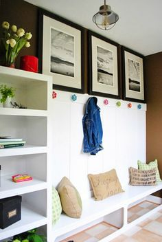 Dreaming of a mudroom like this?  Infarrantly Creative shares 5 tutorials from other bloggers that will help you achieve a similar look!