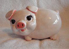 Cute CERAMIC PIGGY BANK.  Your favourite piggy banks: http://www.helpmetosave.com/2012/02/piggy-bank/