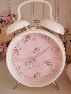 shabby alarm clock - so pretty!