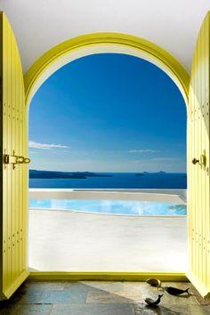 Doorway to the sea / Santorini, Greece