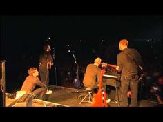 Coldplay  live at Glastonbury festival 2005 - http://afarcryfromsunset.com/coldplay-live-at-glastonbury-festival-2005/