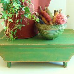 Primitive Tabletop Riser Grass Green Kitchen Table Centerpiece