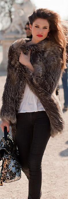 Bianca Balti club dresses, jacket, fashion, style, red lips, winter outfits, fur, coat, bianca balti