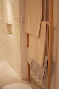 Ladder towel hanger