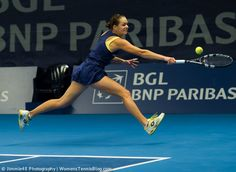 Jana Cepelova goes the distance for her backhand #Luxembourg #WTA http://www.womenstennisblog.com/2014/10/15/tough-day-top-seeds-luxembourg-highlights/