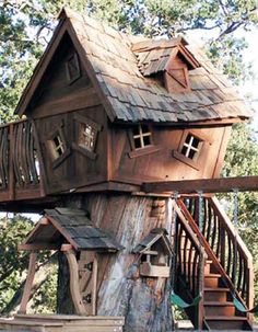 Cool Tree Houses crooked tree house, coolest treehous, architectur materi, grand kids, random house, awesom, cool tree houses, inspir architectur, garden