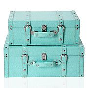 decor, old trunks, vintage suitcases, vintage trunks, old suitcases, blue, colors, aquamarines, front room