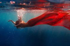 underwater dance, red tail