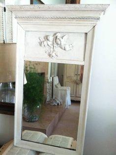 VINTAGE TRUMEAU MIRROR CREAMY WHITE CHERUBS WOOD & GESSO DETAIL $85