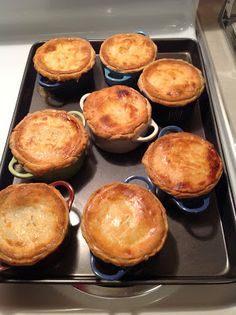 Veggiken Pot Pies! These little vegetarian pot pies are perfect if you ...