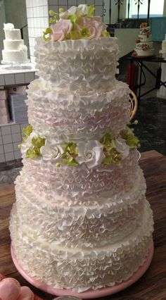 Beautiful Vintage Ruffle!!! by Zsigny (1/14/2013)  View details here: http://cakesdecor.com/cakes/43509