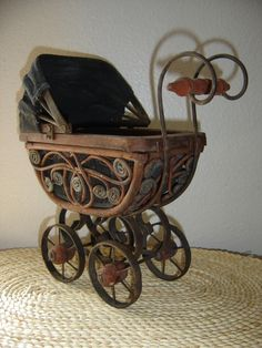 ~ Vintage Baby doll Carriage ~